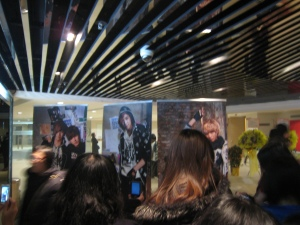 FT Island Hong Kong Concert - fans taking photos